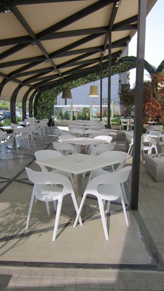 Chaise design Carla Blanche Location mobilier pour événement Lyon BD4